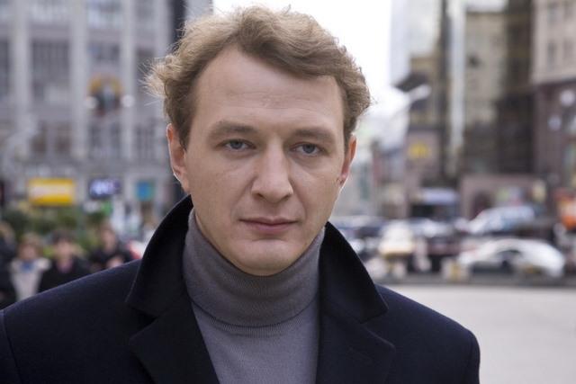 Актер Марат Башаров родился в Москве, 22 августа 1974 года.  Татарин.